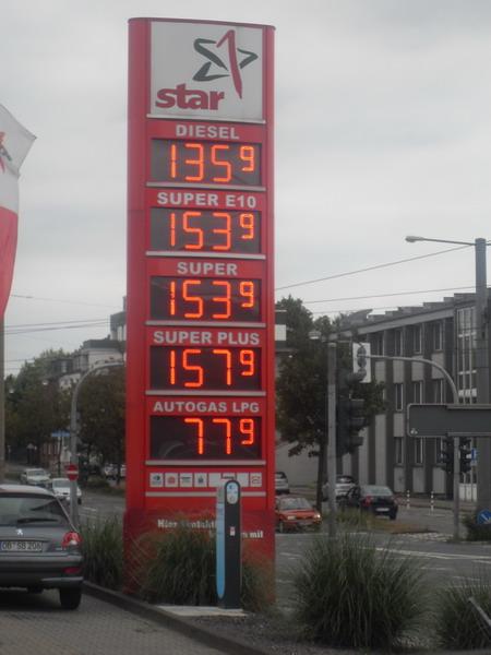 pre_1379086251__cena_bensin.jpg